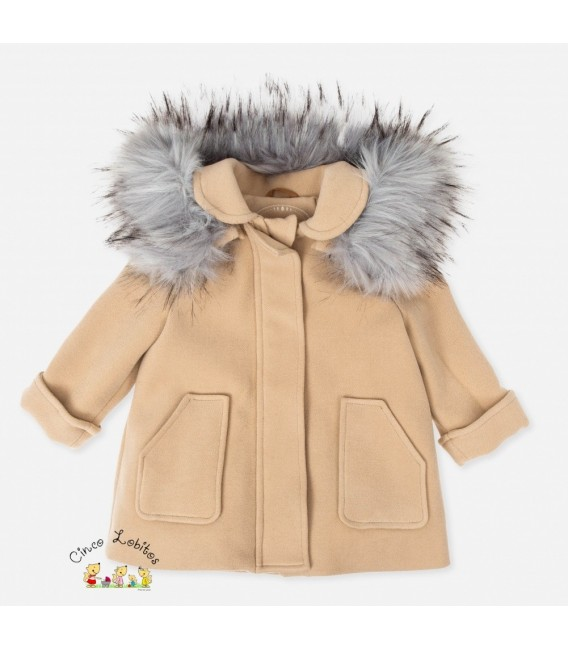Abrigo de niña camel de Tutto Piccolo